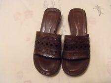 BANDOLINO Women 8M  Brown heel eyelet slip on shoe sandal open toe summer