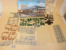 Kibri Modellbahn-Gebäude,-Tunnel & -Bücken der Spur H0 mit Bahnhof