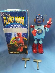 PLANET ROBOT WIND-UP MECHANISM* TR 2022* W/ BOX* EXTRA KEY* SCHYLLING* BLUE* RED