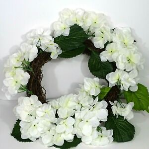 Threshold 19 inch Artificial Hydrangea Wreath White Green For Indoor Use NEW
