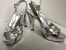 BARBARA BUI SILVER PATENT LEATHER DRESS PLATFORMS/ HEELS/PUMPS SIZE 38,5; 8,5/9