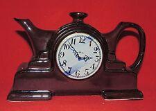 Théière en céramique. La Pendule. Céramique anglaise datée 1989. NEUF