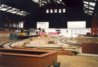 PHOTO  METRO CONSTRUCTION 1991 MANCHESTER VICTORIA TRAM STOP AND 60005 SKIDDAW