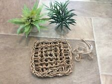 Vivarium Accessories. Plastic Plants And Seagrass Hammock 17cm Square