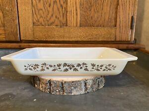 Vintage Pyrex Golden Acorn Space Saver Casserole Dish 548-B 1 1/4 Qt No Lid