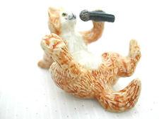 KLIMA K629 Miniature statuette en porcelaine - CHAT CHANTEUR AVEC UN MICRO