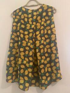 The Limited navy w/ lemon print sleeveless blouse Sz LARGE