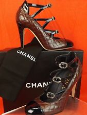 17c CHANEL Burgundy Navy Quilted Leather CC Logo Buckles Cage PUMPS 38