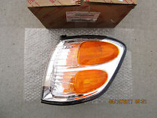 01 - 04 TOYOTA SEQUOIA LIMITED DRIVER LEFT SIDE TURN SIGNAL CORNER LIGHT NEW