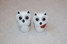 White Red Black Gray Ceramic Salt Pepper Shaker Set Owl Owles Fowl Nature Bird
