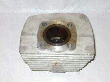 *SUZUKI NOS VINTAGE - LEFT CYLINDER - GT250 K - 1973-75 - 11220-18401
