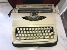 Vintage 1960's Royal Quiet Deluxe White Typewriter In Leatherette Case