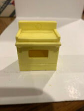 Vintage Fisher Price Little People Yellow Stove Oven #729 909 929