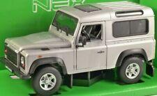 Land Rover Defender - Silver, Classic Metal Model Car 1/24