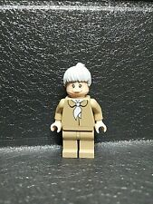Lego Minifigure! AUNT MAY ! SPIDERMAN ! 2004 Tan Blouse Grey Hair