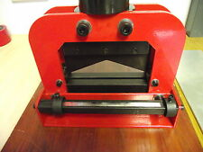 Hydraulic V Guillotine 200 mm Copper Aluminium Bus Bar Cutting
