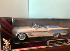 Road Signature 1958 Pontiac Bonneville Convertible 1:18 Scale Diecast Deluxe Ed.