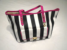 JC Juicy Couture Large Pocket Coldwater Pammy Tote NWT YHRU3789 Multi-Color