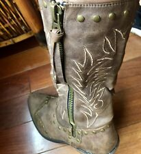 Coconut Cowboy Boots Womens Size 8 brown and red