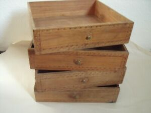 4 kleine Schubladen von einem Sekretär