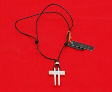 Grifoni girocollo in tessuto nero con pendente a croce in argento 925