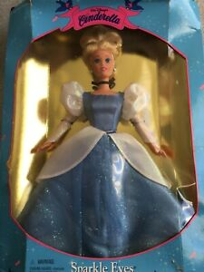 VTG Walt Disney Cinderella Sparkle Eyes Barbie 14789 Mattel Doll Princess 1995