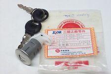 ORIGINALE SYM SUPER DUKE 125 serratura per panchina OEM 77239-gy6-003