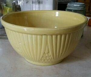 """Robinson Ransbottom Pottery 1503 Yellow 9"""" Mixing Bowl RRP Co. Roseville Ohio"""