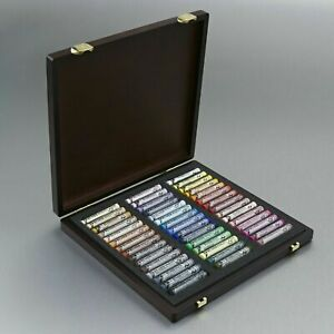 Royal Talens - Rembrandt Extra Fine Soft Pastel - Selection of 45 in WOODEN BOX