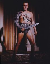 KIRK DOUGLAS SIGNED SPARTACUS 8X10 PHOTO C RARE SHOWSTUFF