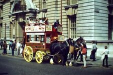 PHOTO  LONDON  THOMAS COOK HORSE BUS ON WHITEHALL 1980