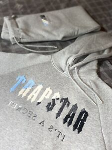 RARE DISCONTINUED TRAPSTAR TRACKSUIT CHENILLE DECODED - ICE GREY FLAVOUR LARGE