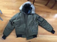 Men's Canada Goose sz M Chilliwack Bomber Jacket coyote fut Milatary Green 7950M