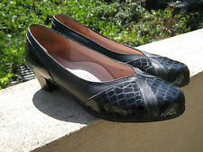 Kumfs dark navy blue leather court shoes size 7.5 7 1/2 W FREE POST