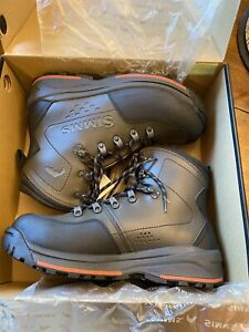 NEW In Box SIMMS Freestone Wading Boots Rubber Soles US MEN SIZE 11 DARK OLIVE