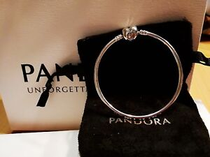 Christmas Gift Genuine 19cm Pandora MOMENTS Heart Clasp Bangle Item 596268