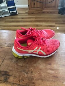 asics running shoes size 3 grab a bargain