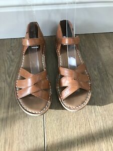 CLARKS ARTISAN BROWN TAN LEATHER SANDALS - WIDE FIT - UK 4.5 / EUR 37.5 - E