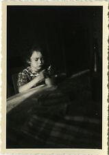 PHOTO ANCIENNE - VINTAGE SNAPSHOT - ENFANT LUMIÈRE ÉTRANGE - CHILD LIGHT STRANGE