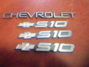 Four 2000 Chevy S10 Emblems.3 Boetie w/S10,1 CHEVROLET Original,Unrestored
