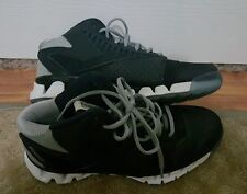 MENS REEBOK SIZE 7 ZIGTECH SNEAKERS BLACK AND WHITE AND GREY (ZIGNANO)