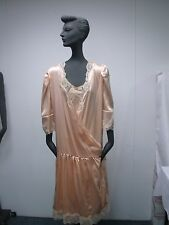 VINTAGE 1980s REVERIE PEACH SILK w LACE WOMENS NIGHTGOWN & ROBE SIZE S