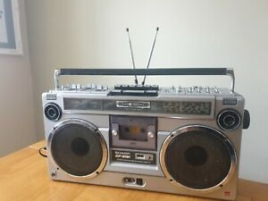VINTAGE SHARP GF-9191E - BOOMBOX/CASSETTE DECK - GOOD CONDITION -Fully working