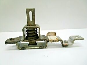 NOS FORD 1973-79 LEFT TAILGATE LATCH D3TZ-99431D77-A TRUCK