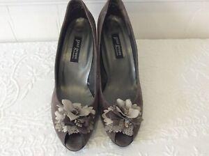 Paul green munchen grey suede open toe court shoes size 8 flower detail