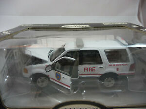 Massachusetts Fire Dept Ford Expedition Gearbox 27618-1//43rd scale Boston