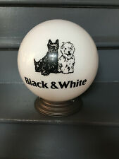 Ancien Globe Essence ou Lampe publicitaire Whisky BLACK & WHITE chiens Scottish