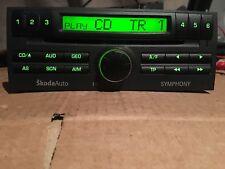 SKODA FABIA SYMPHONY RADIO CD PLAYER WITH CODE AND  MANUAL. 2001/2007