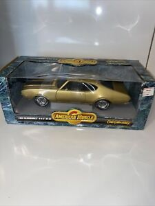 ERTL American Muscle 1969 Oldsmobile 442 W-30 1:18 Scale Diecast Olds Car Gold