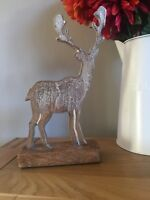 Brand New Beautiful Christmas Silver Reindeer with Wooden Base Beautiful Qali